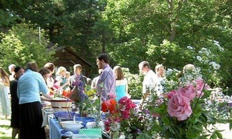 Potluck Wedding: 'Saweran' Makanan dan Minuman (1)