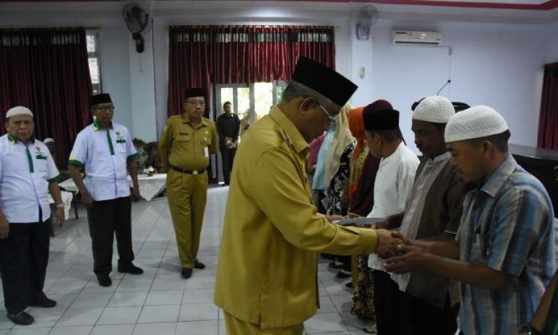 129 Guru Ngaji Terima Insentif dari Wali Kota Tidore Kepulauan
