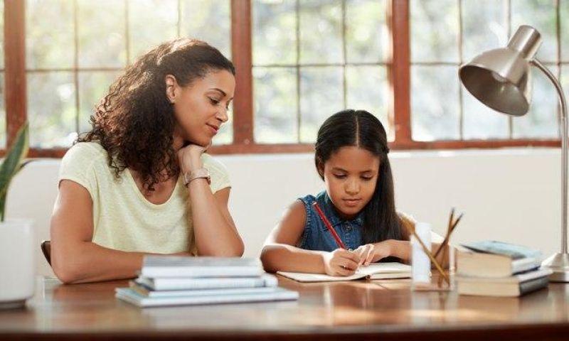 Mengapa Harus Ada Parenting Corner?