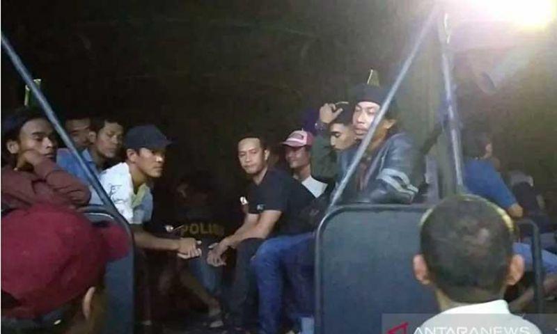 Polda Jatim Gerebek Dua Tempat Perjudian di Surabaya