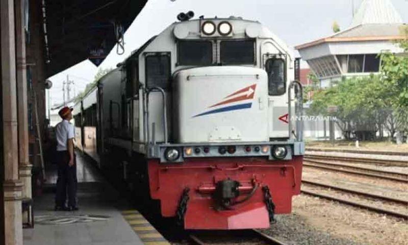 KAI Hentikan Sementara Perjalanan 4 Kereta Tujuan Semarang Mulai 1 April