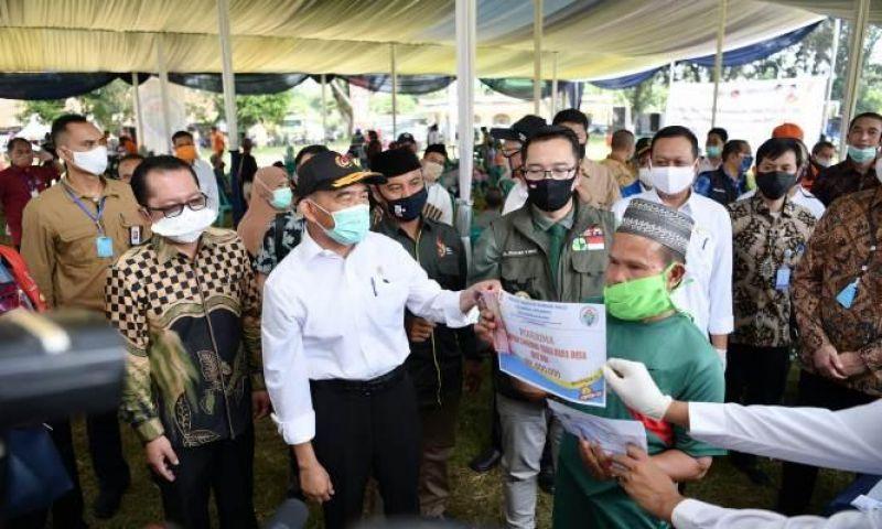 Kemendes PDTT Sidak Penyaluran BLT Dana Desa di Bandung Barat