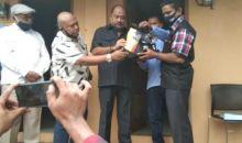 Lagi, Melchias Mekeng Salurkan Bantuan Paket Sembako bagi Warga KBM Jaya