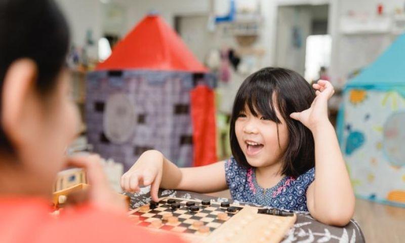 Tidak Cuma Anak, Orangtua pun Perlu Menghargai Keberadaan Mereka
