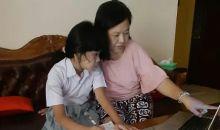 Ketika Orang Tua Menjadi 'Mama Guru' di Rumah,Temani Anak Belajar Daring