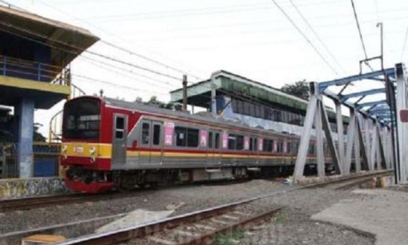 Sejak Senin Sore, KRL Tidak Berhenti-Berangkat di Stasiun Tanah Abang