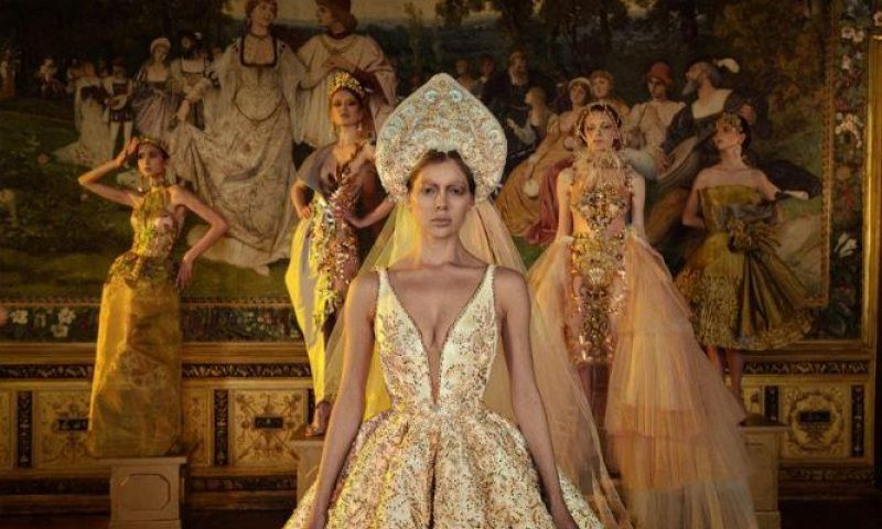 Gelar Karya Bertajuk 'Fashion Film Realm of Silence', Maquinn Couture Harumkan Indonesia