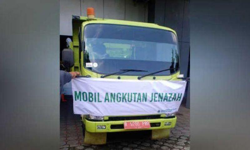 Ambulans Kewalahan, Jenazah COVID-19 DKI Diangkut Truk