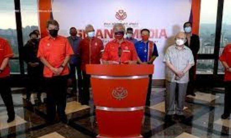 PM Muhyiddin Yassin Diminta Mengundurkan Diri