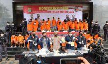 Polda Metro Jaya Bekuk 36 Pencuri Sepeda Motor Bersenjata Api