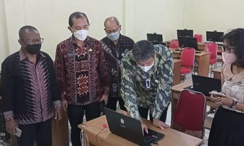 Sambangi Lokasi Pelaksanaan SKD CPNSD di Sikka ,Begini Kata Deputi BKN Pusat